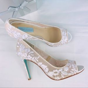 Betsey Johnson Adlyw Floral Lace Bridal Heels